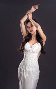 Hintergrundbilder Asiaten Pose Hand Kleid junge Frauen