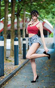 Hintergrundbilder Asiaten Posiert Bein Shorts Unterhemd junge Frauen