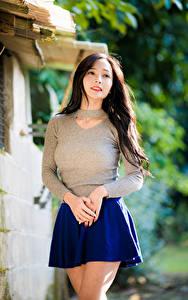 Hintergrundbilder Asiatische Rock Hand Bluse Bokeh junge frau