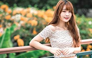 Hintergrundbilder Asiatische Lächeln Blick Bokeh Mädchens