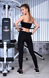 Hintergrundbilder Avery 1997 Fitness Fitnessstudio Pose Blick Sport Mädchens