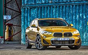Bureaubladachtergronden BMW Vooraanzicht Cross-over auto Gouden kleur X2 F39 auto's
