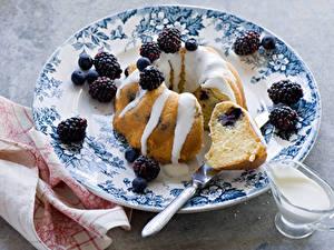 Bilder Backware Brombeeren Heidelbeeren Keks Teller Lebensmittel