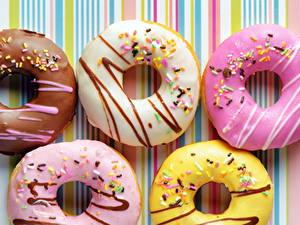 Hintergrundbilder Backware Süßigkeiten Hautnah Donut Zuckerguss