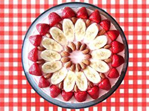 Hintergrundbilder Bananen Erdbeeren Nussfrüchte Design