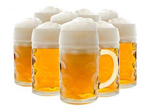 Bilder Bier Großansicht Weißer hintergrund Becher Schaum das Essen