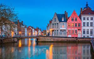 Fotos Belgien Brügge Abend Gebäude Brücken Kanal