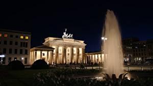 Hintergrundbilder Berlin Deutschland Springbrunnen Nacht Brandenburg gates