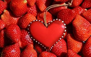Fotos Beere Viel Erdbeeren Rot Herz Vorlage Grußkarte das Essen