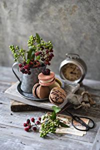 Hintergrundbilder Beere Stillleben Bretter Ast Macarons das Essen