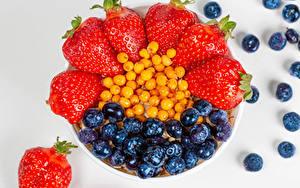 Hintergrundbilder Beere Erdbeeren Heidelbeeren Grauer Hintergrund Lebensmittel