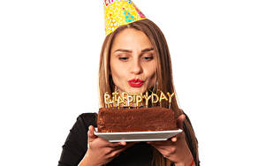 Hintergrundbilder Geburtstag Torte Weißer hintergrund Braunhaarige Englisch Wort Rote Lippen Mädchens