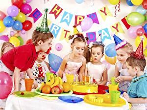 Fotos Geburtstag Feiertage Torte Luftballons Der Hut Englische Kleine Mädchen Jungen Kinder