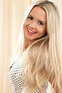 Hintergrundbilder Blond Mädchen Starren Haar Lächeln