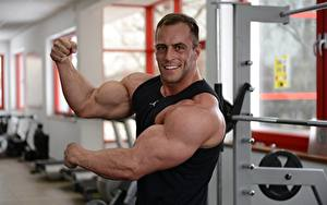 Pictures Bodybuilding Men Hands Muscle Smile Staring Sport