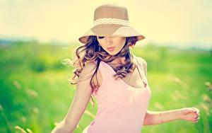 Bilder Unscharfer Hintergrund Braunhaarige Der Hut junge Frauen