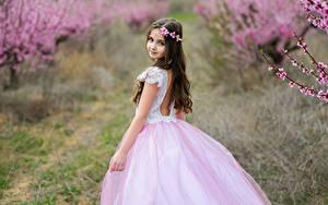 Hintergrundbilder Unscharfer Hintergrund Kleine Mädchen Kleid Blick