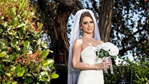 Fotos Sträuße Bräute Kleid Lächeln Hand junge Frauen
