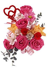 Hintergrundbilder Sträuße Rosen Inkalilien Weißer hintergrund Herz