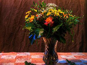 Fotos Blumensträuße Rosen Chrysanthemen Vase Blumen