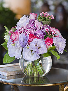 Bilder Sträuße Rosen Lisianthus Hortensien Vase