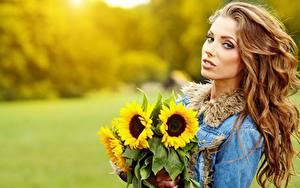 Hintergrundbilder Sträuße Sonnenblumen Izabela Magier Bokeh Braunhaarige Starren junge frau