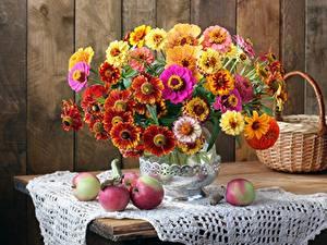 Hintergrundbilder Sträuße Tischdecke Äpfel Herbst Stillleben Weidenkorb Vase Blüte