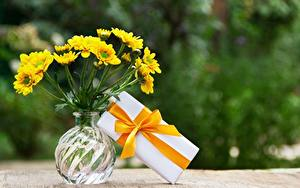 Hintergrundbilder Blumensträuße Vase Schachtel Geschenke Band Schleife  Blüte