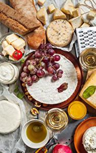 Fotos Brot Käse Wein Trauben Tomaten Walnuss Weinglas