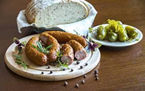 Hintergrundbilder Brot Gurke Wurst Schwarzer Pfeffer Schneidebrett