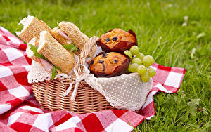 Bilder Brot Sandwich Weintraube Keks Picknick Weidenkorb