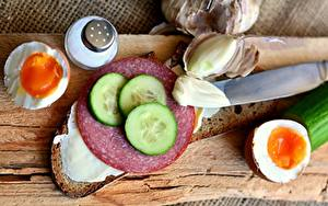 Hintergrundbilder Brot Wurst Gurke Messer Butterbrot Eier Geschnitten