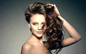 Hintergrundbilder Braunhaarige Schöner Model Make Up Haar Blick Frisur Mädchens