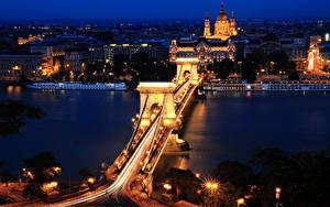Fotos Budapest Ungarn Haus Fluss Brücke Nacht Straßenlaterne
