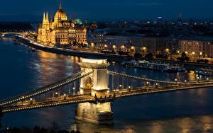 Fotos Budapest Ungarn Gebäude Flusse Brücken Nacht