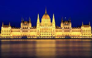 Hintergrundbilder Budapest Ungarn Fluss Palast Nacht Straßenlaterne