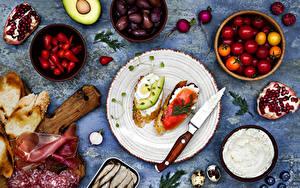 Hintergrundbilder Butterbrot Schinken Messer Tomate Wurst Granatapfel Oliven Brot Teller Zwei Ei