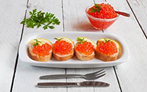 Hintergrundbilder Butterbrot Meeresfrüchte Rogen Messer Brot Bretter Gabel