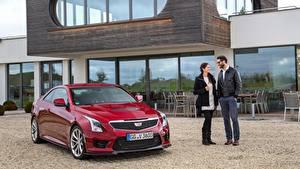 Bilder Cadillac Mann Rot Brille Lächeln Coupe Metallisch ATS-V, Coupe EU-spec, 2015 automobil