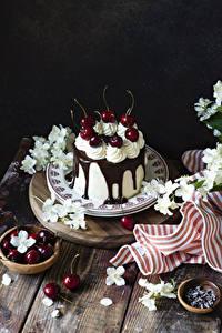 Hintergrundbilder Torte Kirsche Schokolade Teller Lebensmittel