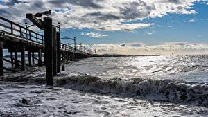 Desktop hintergrundbilder Kanada Schiffsanleger Küste Wasserwelle Ozean Wolke White Rock Natur