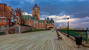 Fotos Kanada Quebec Gebäude Abend Straßenlaterne Hotel Chateau Frontenac