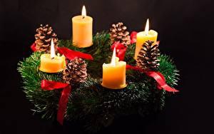Bilder Kerzen Flamme Ast Zapfen Schwarzer Hintergrund