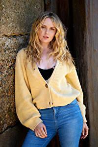 Fotos Carla Monaco Blond Mädchen Pose Blick junge Frauen