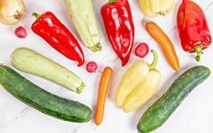 Hintergrundbilder Mohrrübe Zucchini Gurke Paprika Radieschen Zwiebel Gemüse Weißer hintergrund