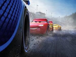 Fotos Cars 3 Großansicht Rad Lightning McQueen, Cruz RamireJackson Stormz