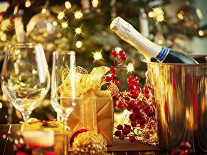 Papéis de parede Vinho espumante Feriados Ano-Novo Copo de vinho Presentes