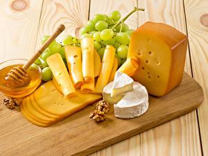 Hintergrundbilder Käse Weintraube Honig Schalenobst Bretter Schneidebrett Geschnitten
