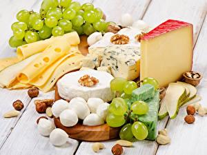 Bilder Käse Weintraube Schalenobst Bretter das Essen