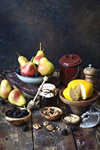 Hintergrundbilder Käse Birnen Schalenobst Brombeeren Konfitüre Bretter Einweckglas Lebensmittel